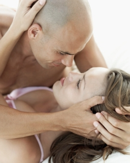 The Art of Kissing by Using Your Hands | Naughty Guide
