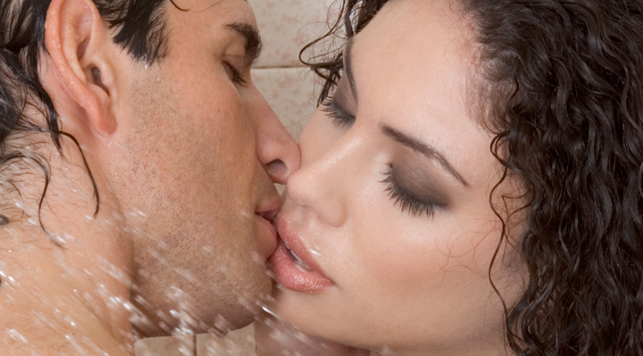 Using Aphrodisiacs To Cast A Sex Spell Make Your Kisses Magic | Naughty Guide