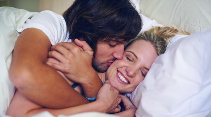 5 Ways To Cuddle Up | Naughty Guide