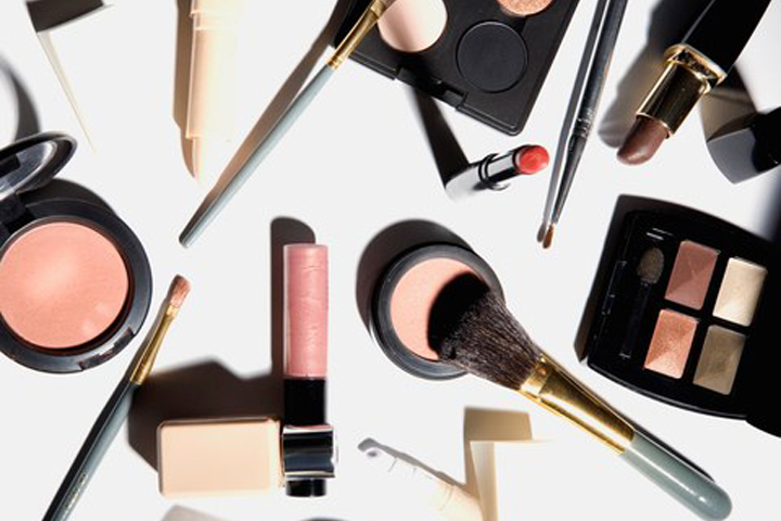 6 Ways to Spring Clean Your Makeup Bag | Naughty LA